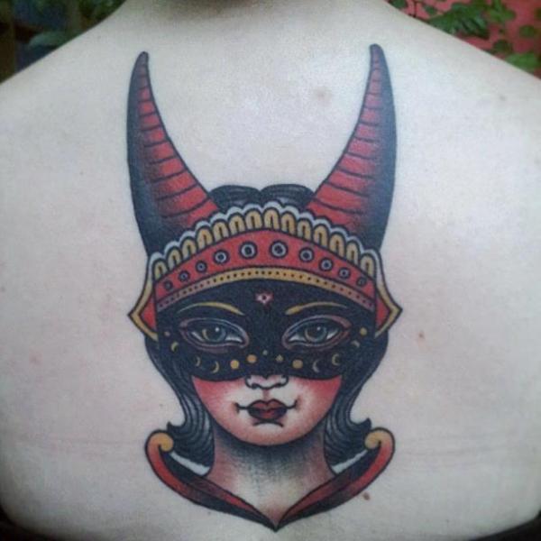 Tatuaggi Maschere, tradizione e modernità