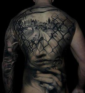 Tatuaggi schiena uomo: Quali scegliere?